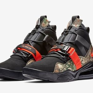 Nike Shoes - Nike Air Force 270 Utility Realtree Men's Size 11